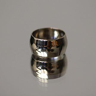 14k 10mm Wide Band Slight Convex Design Plain Gloss in White Gold