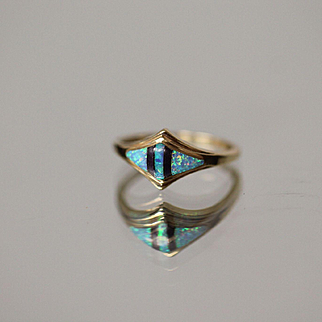 14k Fire Opal & Black Onyx Geometric Symmetrical Pointed ring in Yellow Gold