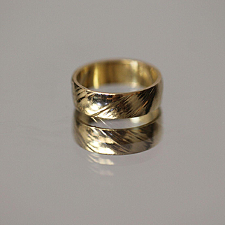 14k 5.75mm Band with Diagonally Grooved Design in Yellow Gold