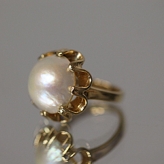 14k Beautiful 15mm Mabe Pearl with Incredible Color in a Fancy Wavy Yellow Gold Ring
