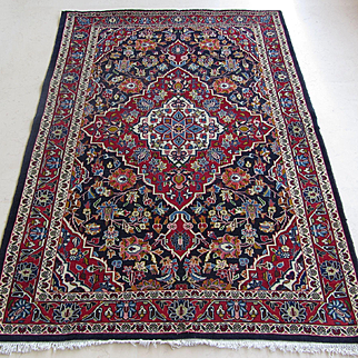 $3,300 Handmade Authentic Persian Qum Rug - Circa 30 years - 195 x 125 cm - 6.3 x 4.1 ft