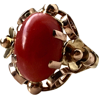 14k Yellow gold very fine red aka coral ring