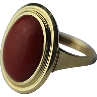 Vintage 14k gold coral ring with genuine natural red aka coral cabochon 4.2 Gr.