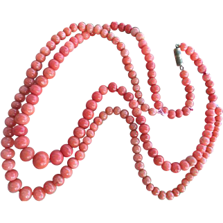 29.3 Gram very old natural coral necklace ( with visible usage restring recommended )