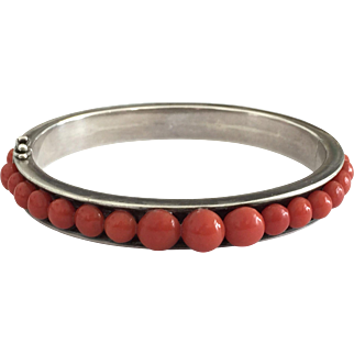 29 Gram antique natural coral bracelet in 800 silver