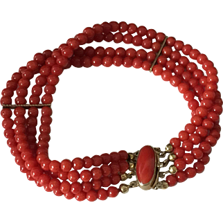 19 gram Deep red natural coral bracelet