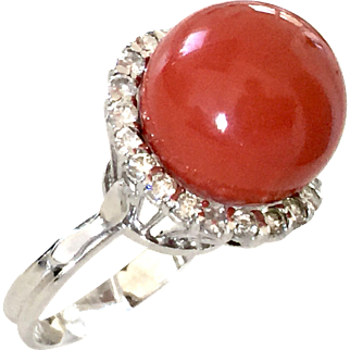 White gold 750 natural coral ring 1 ct diamonds