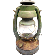 Deitz monarch railroad lantern original globe