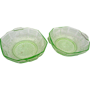 2 vintage Anchor Hocking green cameo 2 handle cereal bowls