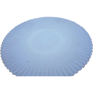 Vintage elegant white glass monax iredescent ribbed 10 1.2 inch plate