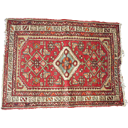 Vintage oriental rug quite heavy 26 37 inch s in good condition