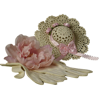 Sweet Little Vintage Crocheted Chapeau for Smaller Bru, Jumeau, Steiner, Gaulltier