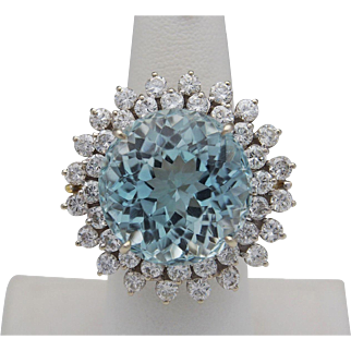 Beautiful 26.0 Carat Aquamarine and Diamond Ring