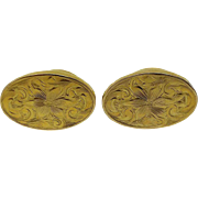Beautiful Classic 10k Yellow Gold Oval Vintage Cuff link set.