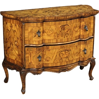 20th Century Venetian Dresser In Walnut And Burl