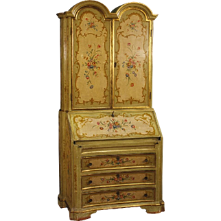 20th Century Venetian Lacquered And Painted Trumeau