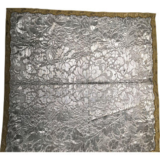 Silver Damask Table Mat