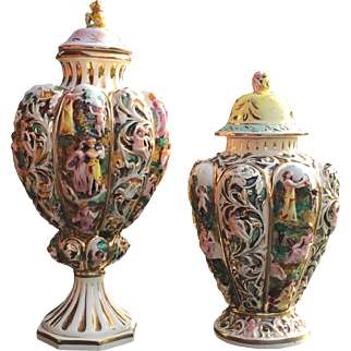 Set of two vases (Italy Capodimonte)