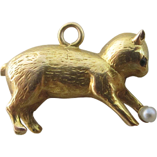 15k / 15ct gold cat playing with seed pearl ball pendant charm antique Victorian c1890 a/f