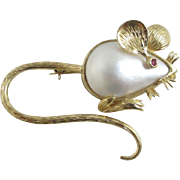 Mabe pearl with ruby eye 14k yellow gold mouse brooch pin vintage c1950