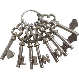 Sterling silver name 'Linda' heart key English charm vintage c1960