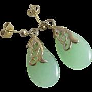 Jade in 18k / 18ct gold dangling ear pendant earrings Vintage c1950