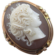 Hardstone cameo in 15k / 15ct gold brooch pin antique Victorian c1860