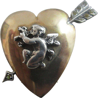 Cherub in heart pierced with paste arrow 9k 9ct gold & sterling silver lapel clip brooch pin antique Victorian c1890