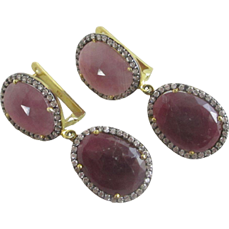 Real ruby 9k 9ct gold on sterling silver dangling ear pendant earrings Vintage c1980.