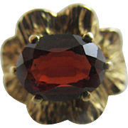 Garnet 9k 9ct gold ring vintage 1977 English hallmarks.