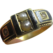 Enamel seed pearl 15k 15ct gold mourning ring antique Victorian English hallmark Chester.