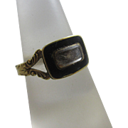 Inscribed enamel 18k 18ct gold braided hair mourning locket ring antique Georgian 1823 English hallmark.