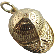 9k gold horse jockey cap pendant charm Vintage c1970.