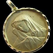 18k gold religious Madonna pendant vintage c1970.