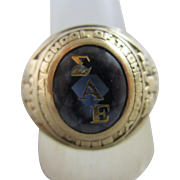 Sapphire Fraternity Sorority 14k gold ring Vintage c1970.