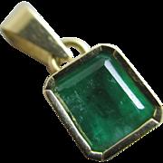 Emerald 18k gold pendant Vintage c1980.