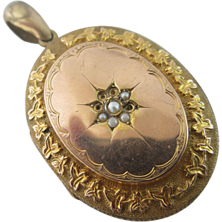 Ivy Leaves border Seed Pearl star 9k Gold Back & Front Double Pendant Locket Antique Victorian c1880.