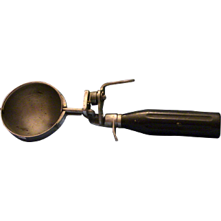 Benedict Ice Cream Scoop.