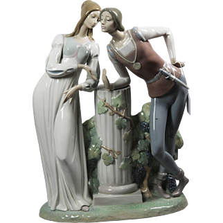 Lladro #4750 - Large Glazed Romeo and Juliet