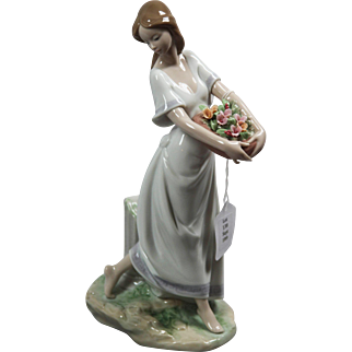 "LLadro #7704 - ""Garden of Athens"" Glazed"
