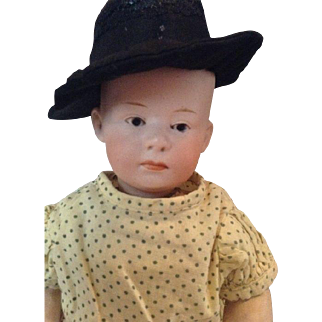 Stunning Gebrüder Heubach doll with closed mouth character Pouty baby.