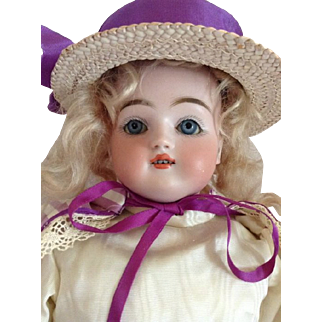 19'' Beautiful Kestner doll. (Ca. 1880/1900)