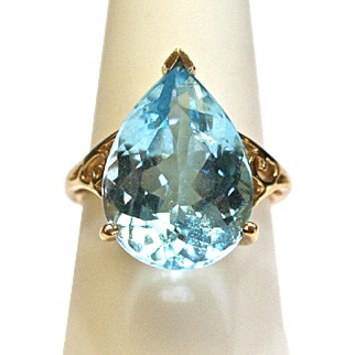 Vintage Aquamarine Pear Shape Ring in 10k Yellow Gold
