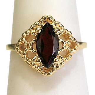 Vintage Garnet Marquise Filigree Ring in 14k Yellow Gold