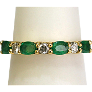Vintage Diamond/Emerald Band Ring in 18kt Yellow Gold