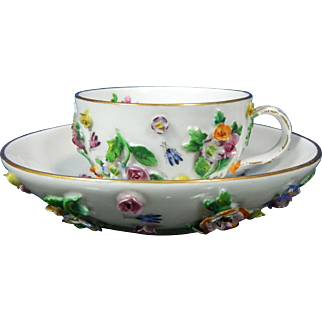 1850-1899 Meissen Multi-Color Porcelain Cup and Saucer Encrusted Flowers
