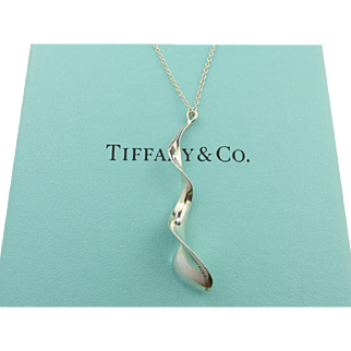 Authentic TIFFANY & CO Sterling Silver Gehry Orchid Pendant Necklace