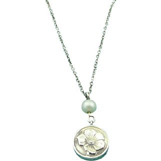 Authentic TIFFANY & CO Sterling Silver Nature Rose Pearl Pendant Necklace