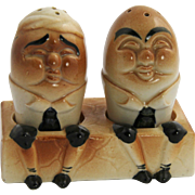 RARE 50's Made in Japan HUMPTY DUMPTY Salt & Pepper Shakers with Stand