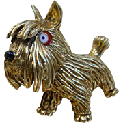 Artistic Vintage 18K Gold Brooch Depicting A Dog. Enamel Eye.